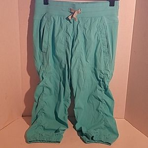 Ivivva by Lululemon Live To Move Crops Size 14